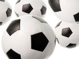 Bollpaket bestående av 2 stora och 3 små bollar